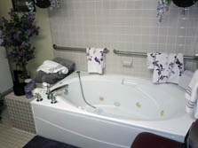 Carriage House Assisted Living of Denton Jacuzzi Tub